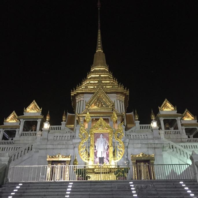 Bangkok Wat Traimit tapınağı